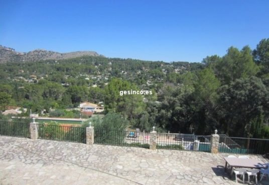 Vistas espectaculares desde este chalet en venta Xàtiva