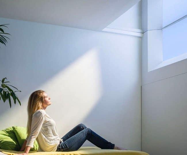 Disponer de una entrada de luz natural evitará la sensación de estar encerrados.