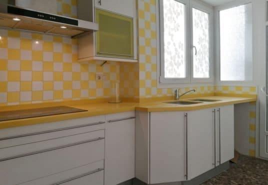 cocina amarilla 2
