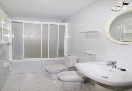 baño Apartamento en Miramar con vistas al mar