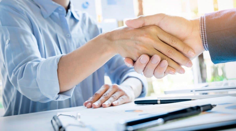 qué es un contrato de arras en la compraventa de una casa
