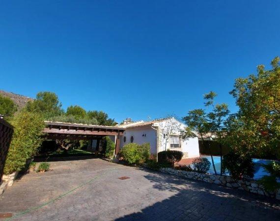Chalet con terreno en Xàtiva