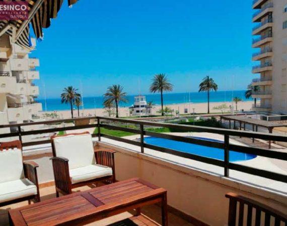 piso con terraza en la playa de Gandía